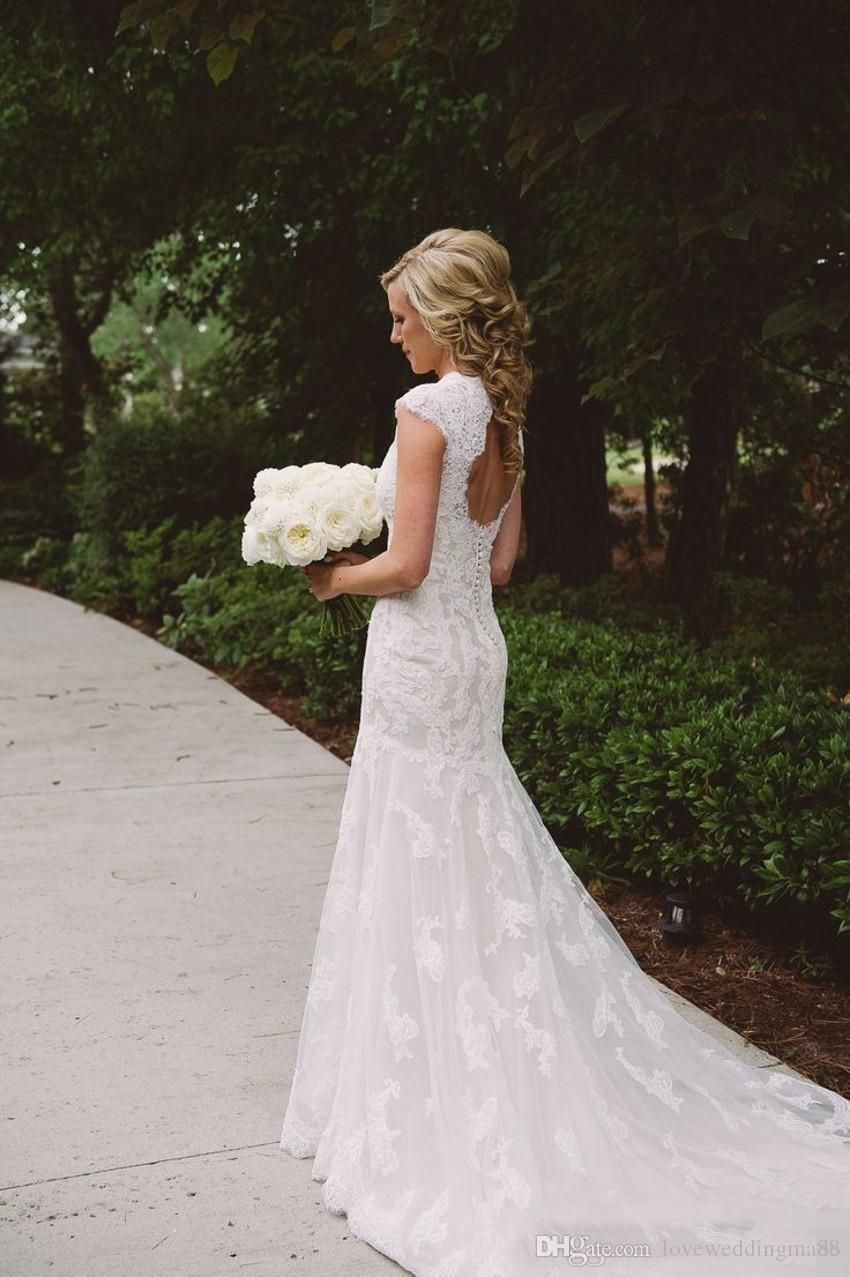 Cheap Romantic Wedding Dress Lace 2018 Modest Country V Neck Keyhole Back Vintage Bridal Dresses Cap Sleeves Outdoor Bride Gowns