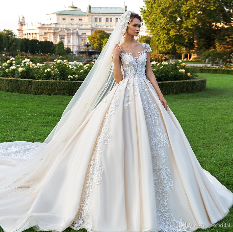 Ретро Кружева Принцесса Свадебные Платья Бальное Платье Бисероплетение Дубай Арабские Свадебные Платья Светло-шампанское Элегантная Шапка Рукава