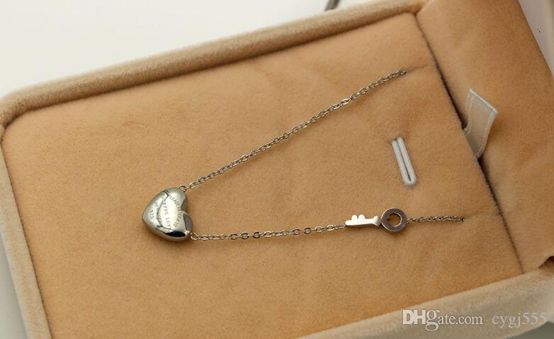 Titanium Steel Ornament Forever Love Heart Key Necklace 18K Rose Gold Heart Shape Keystone Necklace