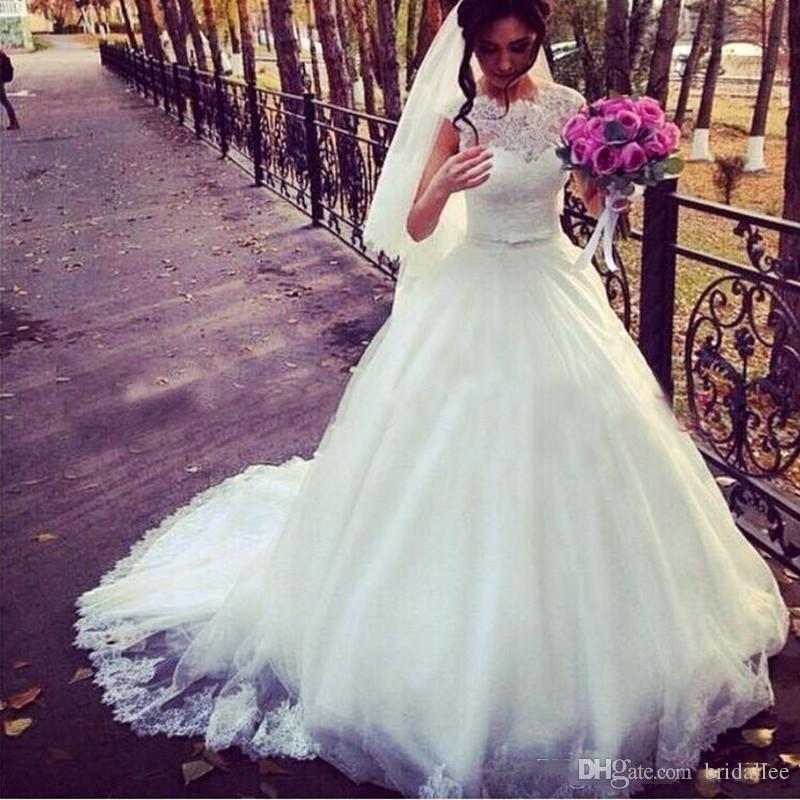 2018 Ball Gown Wedding Dresses Cheap Sheer Jewel Neck Lace Top Puffy Tulle Skirt With Sash Country Style Bridal Gowns vestido de noviae
