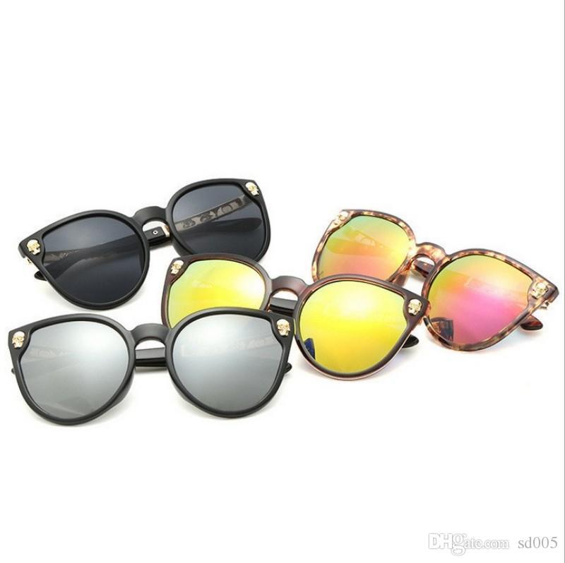 Tallado de metal duradero Marco Gafas Gafas de sol a prueba de rayos ultravioleta vintage No es fácil deformar Gafas de sol de hombre y mujer de colores 14 9lj B