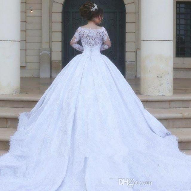 826cd2c2ab4 Acheter Robes De Mariée En Dentelle Vintage Manches Longues Moyen Orient  Arabe Robe De Bal Blanche De Style De Dubaï Robes De Mariée De Longueur De  Sol En ...