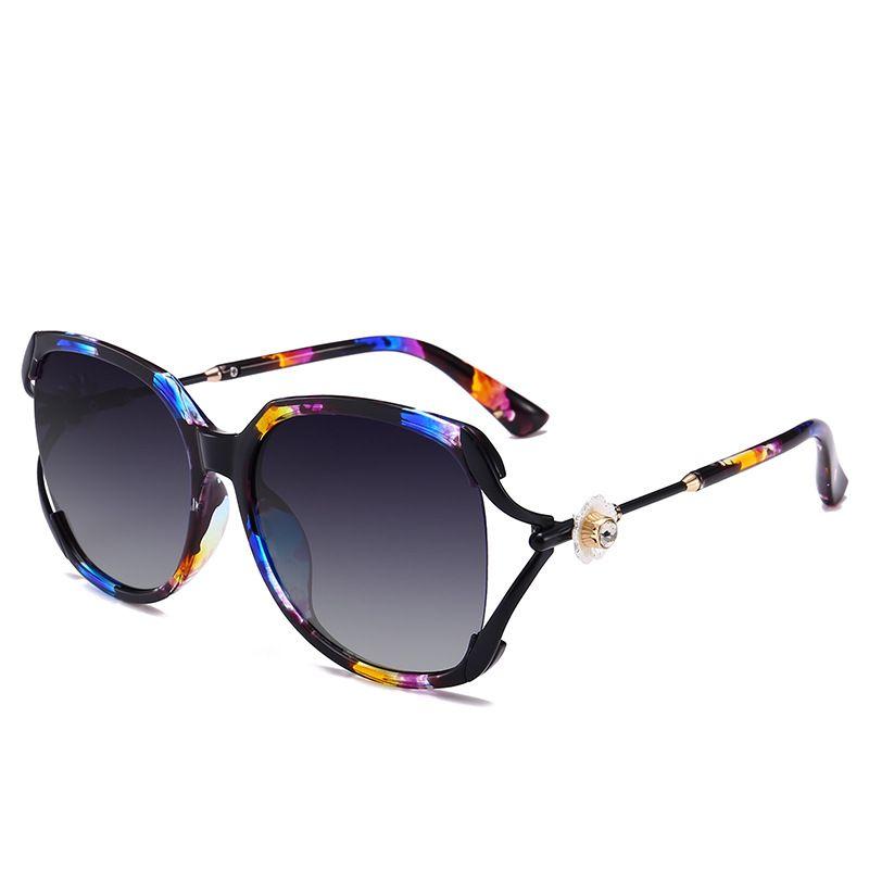 6f09e17c71e74 Compre Flor Do Vintage Polarizada Diamante Óculos De Sol Das Mulheres  Designer De Marca 2018 Luxo Uv400 Oversized Óculos De Sol Manchas Oculos  Feminino De ...