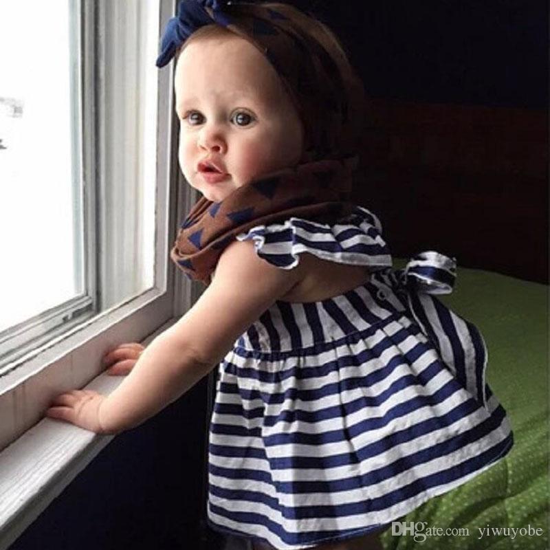 Ins Sıcak Satmak Bebek Çocuk Giyim Sevimli Kız Elbise Prenses Beyaz Mavi Elbise + PP Tavalar 2 adet Setleri Bebekler Pantolon Tops Kıyafetler
