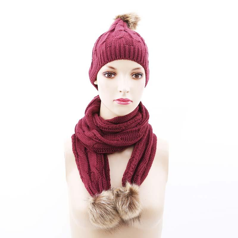 Acquista 2018 Moda Inverno Donna Lavorato A Maglia A Due Pezzi Ragazza  Colore Solido Caldo Sciarpe Sciarpa Vestito Breve Bianco Nero Femmina  Pompon Sciarpa ... 17765ea5a8d4