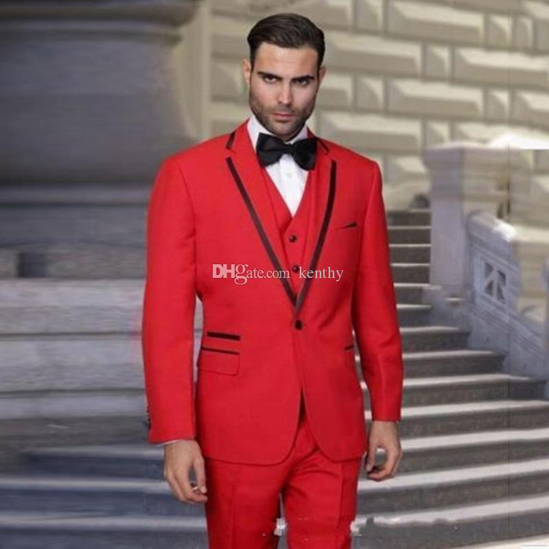 Acheter Personnalisé Costume Rouge Costumes Hommes Costumes Noir Revers  Slim Fit Marié Tuxedos Gilet Pantalon Meilleur Homme Blazer Veste 3 Pièce  De Porter ... 0f4b0bd9392