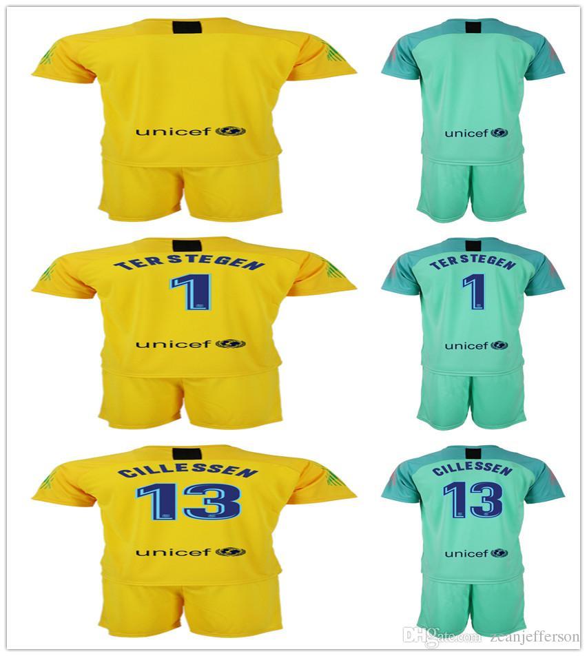 Compre Kits De Futebol Mens Jersey Jersey Goleiro 1 TER STEGEN 13 CILLESSEN  Verde Amarelo 2018 2019 Uniforme De Futebol Clube De Zeanjefferson cd44077524259
