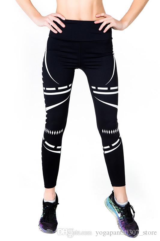 LORETTA: Sexy yoga gear