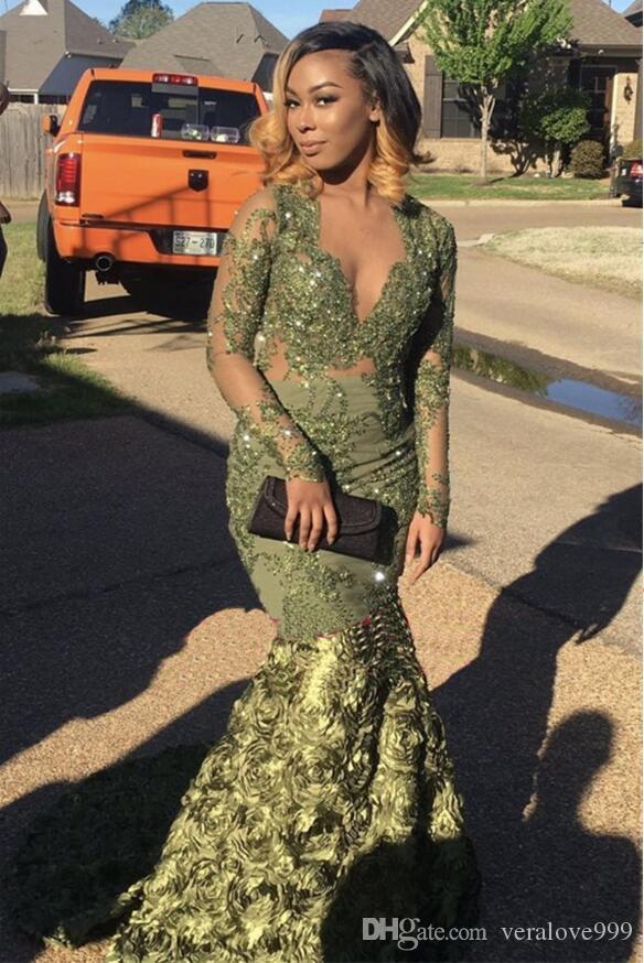 Wunderschöne 2019 Meerjungfrau Ballkleider mit langen Ärmeln Grün Arabisch Abendkleider Lange 3D Froal Blume V-Ausschnitt Pageant Party Kleider Custom