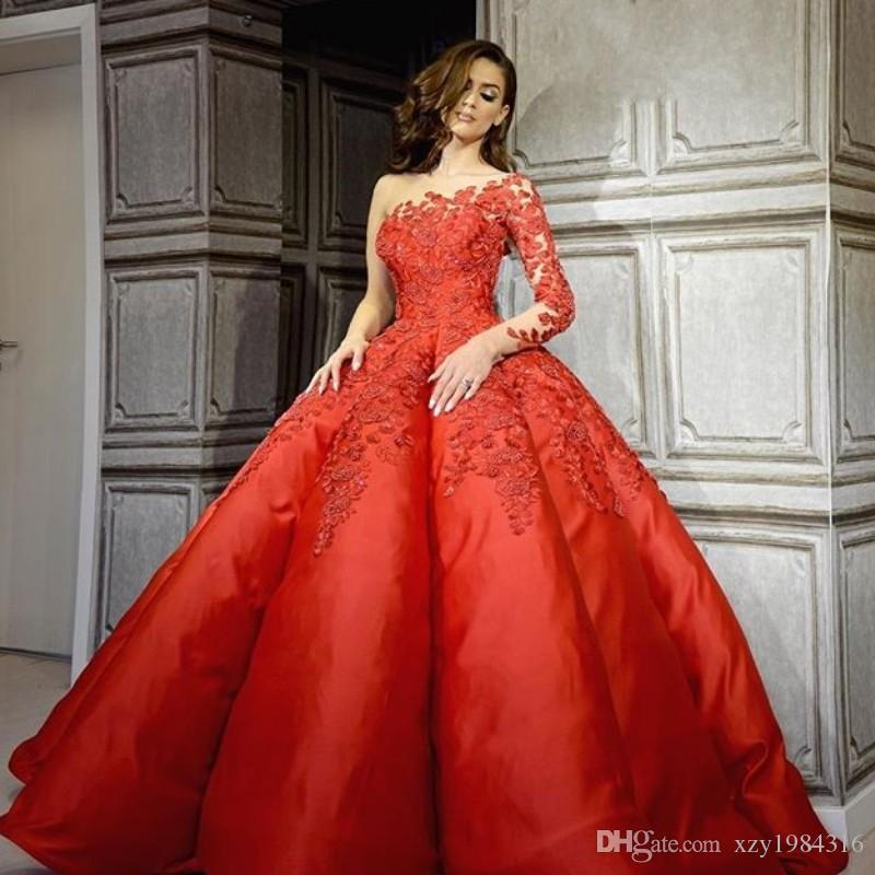 One Shoulder 2018 Prom Dresses Lace Applique Long Sleeve Ball Gown Evening Dresses Glamorous Dubai Fashion Celebrity Red Carpet Dress