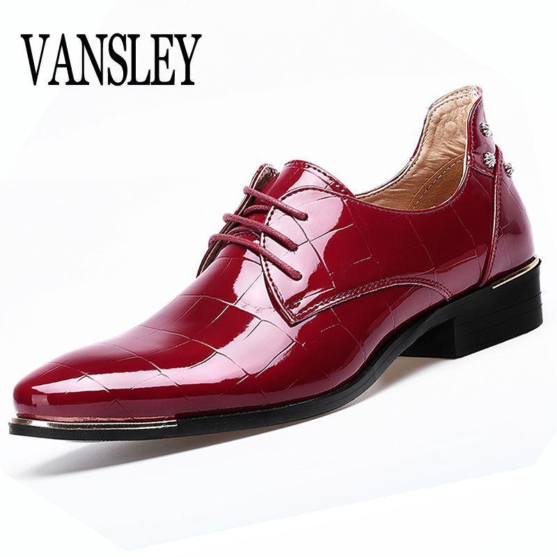 b4258b39e Compre Sapatos Masculinos Tamanhos Grandes Dedo Apontado Homens Sapato  Vermelho Vestido Sapatos Formais Homem Homme Itália Vestido Oxford Sapatos  De ...