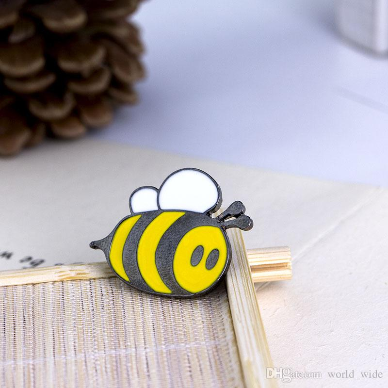 Cute Happy Bumblebee Honey Bee Hat Lapel Pins Enamel Pin Decoration For Clothes And Bags Lapel Pin Badge