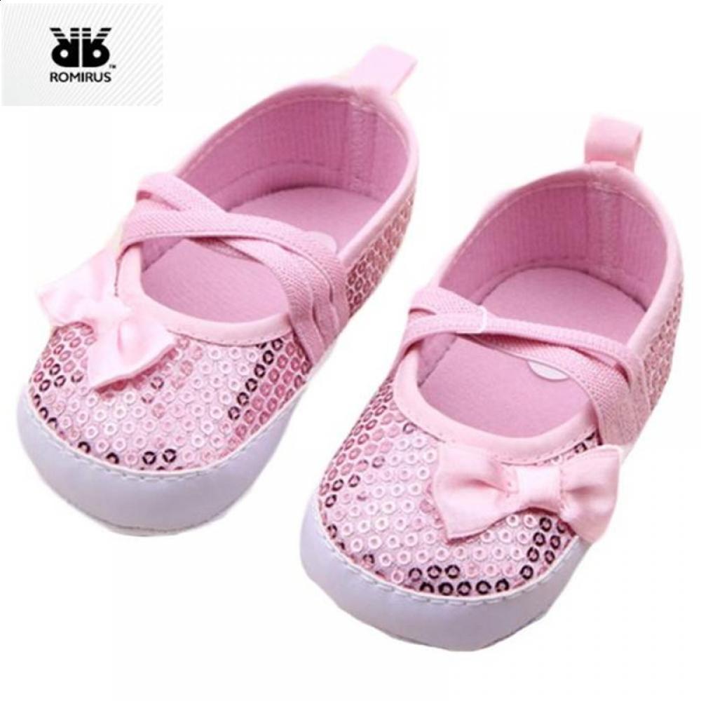 6f40e18f3db9 2019 Sequins Chidlren S ROMIRUS Bebek Sweet Ayakkabi Bling Baby Non Slip  Shoes Sneakers Walkers Soft First Newborn Shoes Crib Girl From Moongate