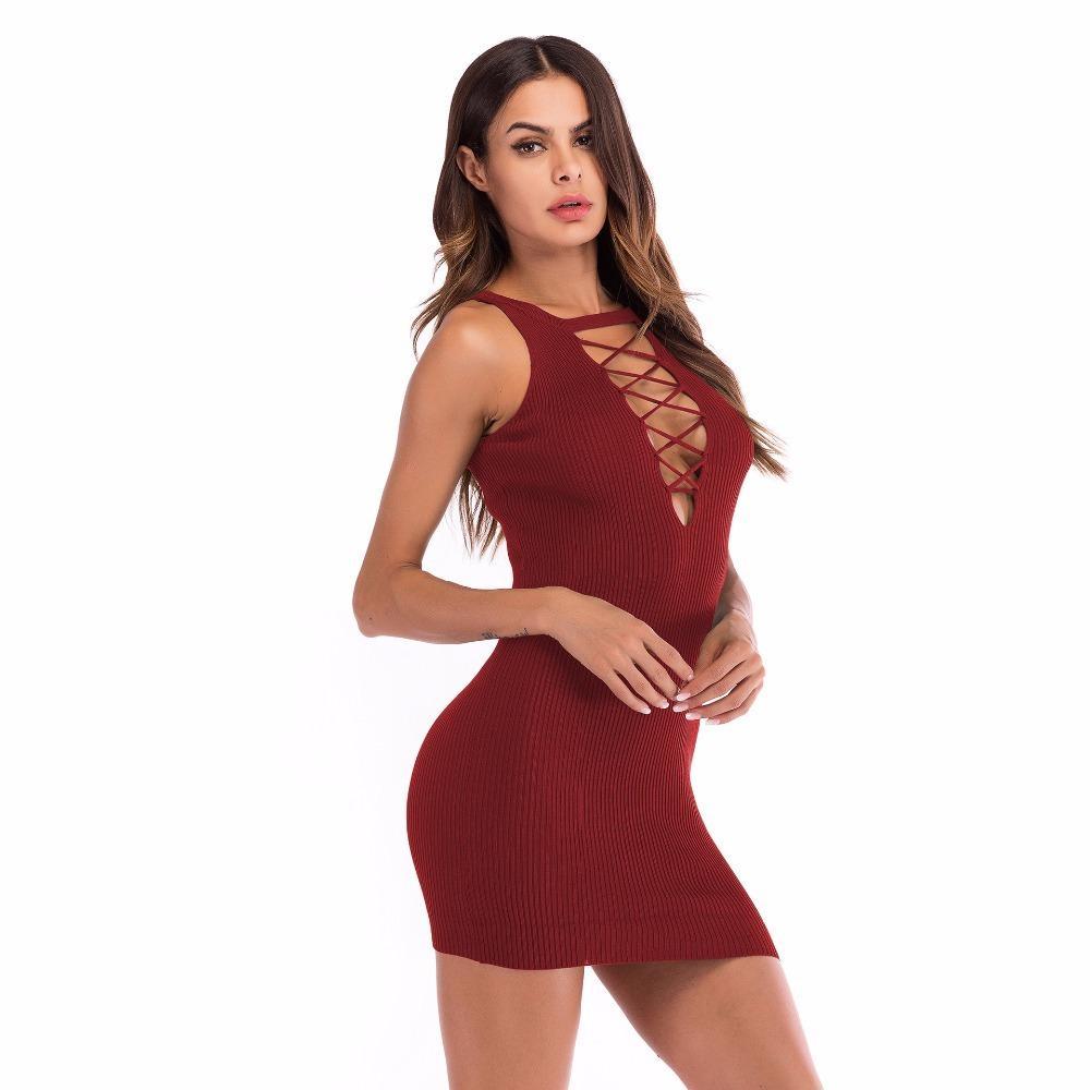 Acquista Scollo A V Profondo Scava Fuori Le Donne Sexy Abito Estate 2019 Senza  Maniche Sottile Vestito A Matita Di Colore Solido Pacchetto Fianchi Abito  ... 62140698fa4