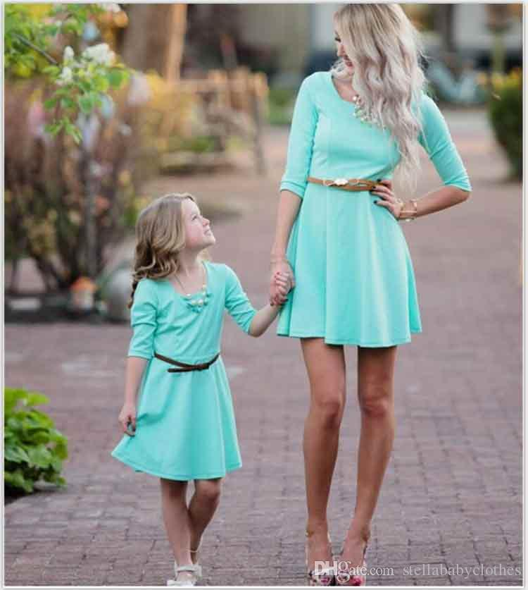 9876a13f76 Elegant Mother Daughter Dresses Solid Color Family Matching Clothes Fashion  Party Three Quarter Sleeve Mom And Daughter Dress Matching Family Hawaiian  ...