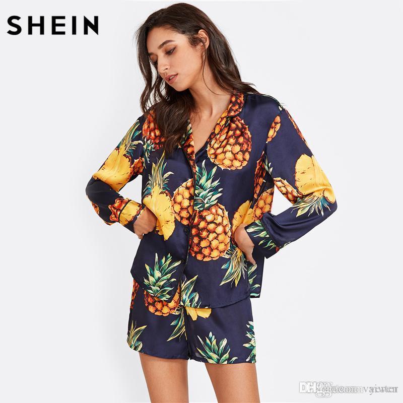 Compre Venta Al Por Mayor SHEIN Pijamas Para Mujer Ropa De Dormir Manga  Larga Azul Marino Piña Estampado Con Camisa Y Pantalones Cortos Pijama  Conjunto Ropa ... 6177f5b64868