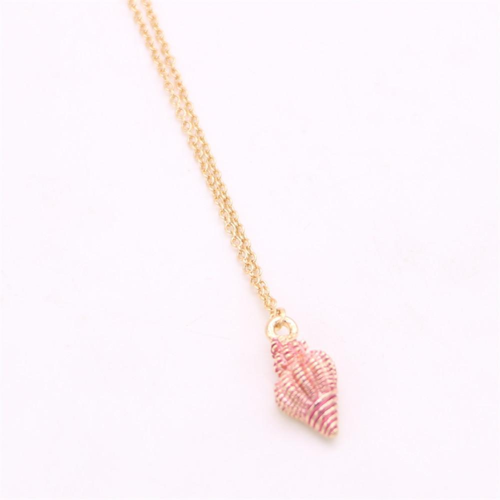 Lifelike marine life pendant necklace Cute sea snail pendant necklace designed for women Retail and wholesale mix