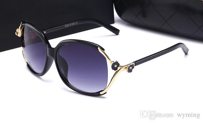 87ce6bf0ea7d6 Compre Moda Nova 2018 Marca De Luxo Óculos De Sol Declaração Mulheres Jóias  Óculos De Sol Flor Decoração Gafas Do Vintage De Grandes Dimensões De  Wyming, ...