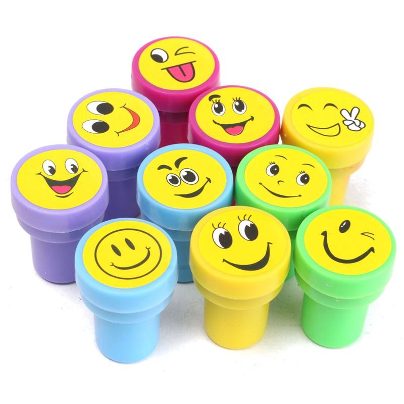 Multicolor Cute Cartoon Emoji Smile Stamps Kids Party Favors Event Supplies For Birthday Toys Christmas Gift Cool Wedding Favours Coolest
