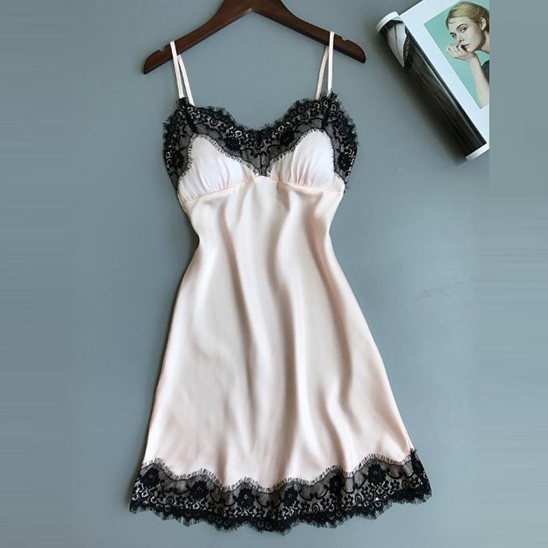 M / L / XL Verano nueva llegada de satén de encaje camisones de las mujeres con cuello en V ropa de dormir con sujetador cojín ropa interior conjunto de lencería