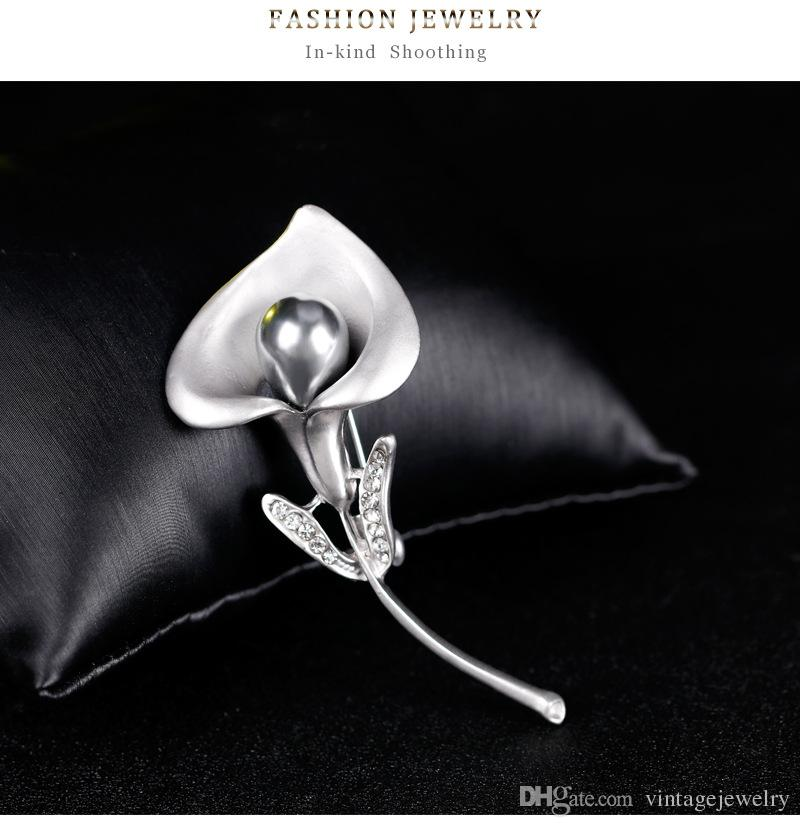 Fashion Personality Shell Pearl Flower Brooch Clothing Accessories Gift For Women and Men YP3253