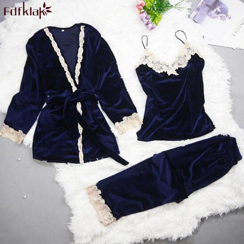 6f60852f7 Compre Fdfklak 2018 Nueva Marca 3 Unidades Conjunto Otoño Invierno Pijamas  Mujeres Pijama De Terciopelo Dorado Trajes Chándales Para Damas Set Pijama A  ...