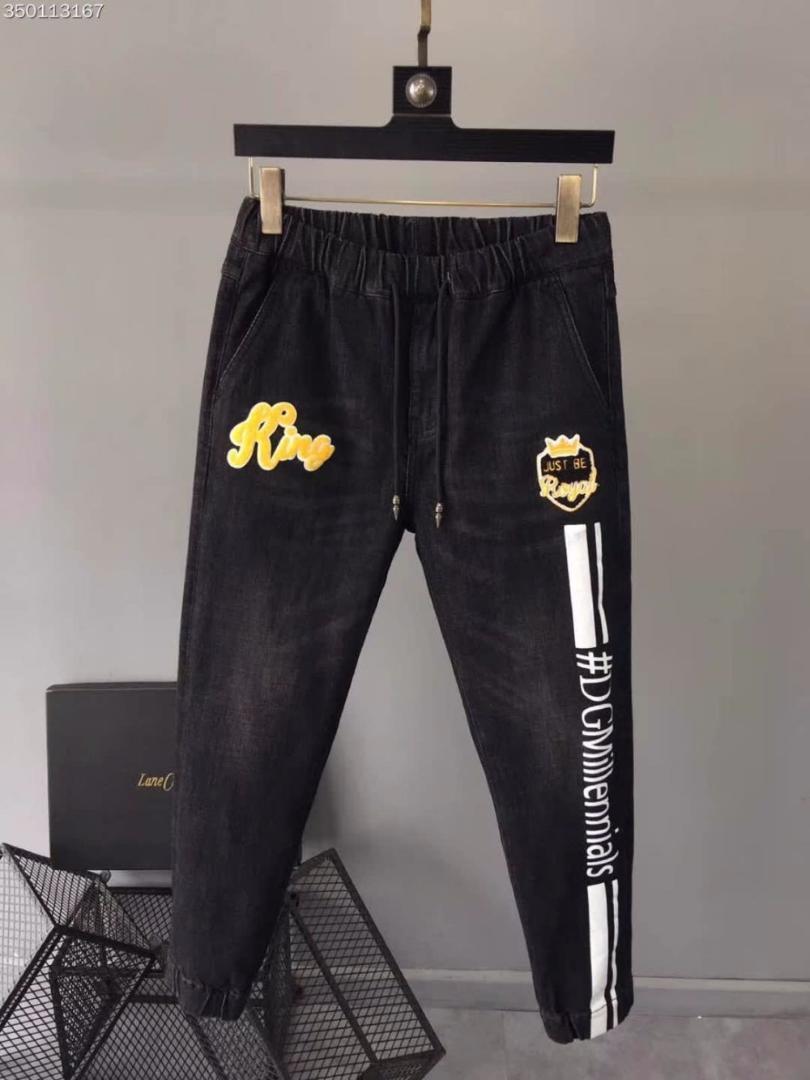 Compre Wrd09693bh Nueva Llegada Jeans Para Hombre 2018 Marca De Lujo De  Lujo Diseño Europeo Estilo De Invierno Ropa De Hombre A  185.04 Del Bida  Amy ... c103a14473e