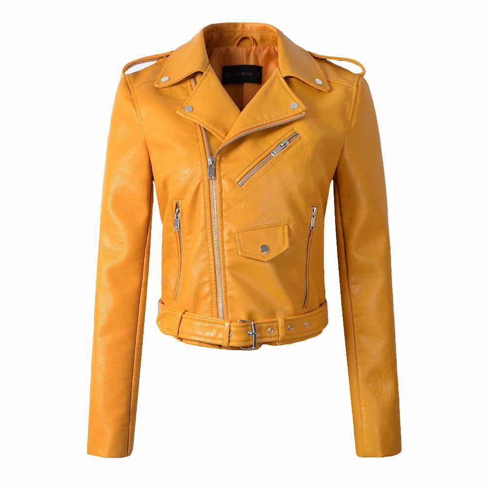 4aaf67b42b62 Otoño PU Chaqueta de Cuero de Las Mujeres de Moda de La Motocicleta Escudo  de Las Mujeres Primavera Bomber Chaqueta de Cuero de Imitación Corto Biker  ...
