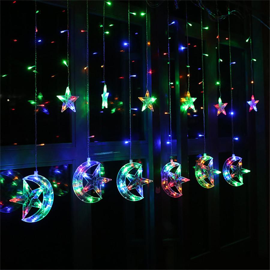 0ea2bea3a0e Compre 8 Modos 138 LED Moon Star String Light Plug En Fairy Christmas  Window Cortinas De Luz Para Fiesta