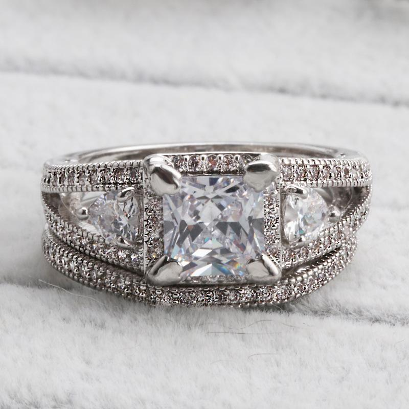 2018 Lover Gift Dazzling Princess Square Cut Engagement Ring