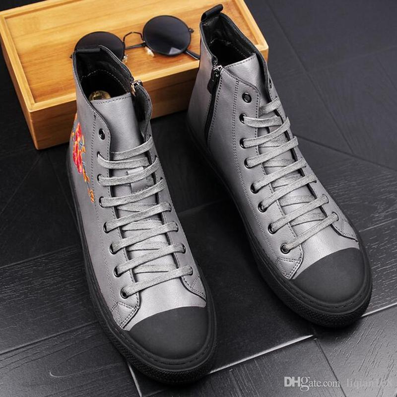 Fashion Men Boots Genuine Leather Ankle Print Embroidery Casual Round Toe Shoes Men Short Boots Motorcycle Cowboy Boot