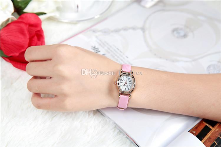 Petit Dial Vintage en cuir des femmes montres Casual Charm Ladies Wristwatches Style Simple Quartz Dress Watch Femmes Horloge