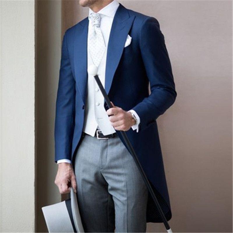 1903de87274a3 Compre Moderno Traje De Hombre Azul De Capa Larga 3 Piezas Chaqueta +  Pantalones + Chaleco + Corbata Último Traje De Novio De Boda Trajes De  Hombre Smoking ...