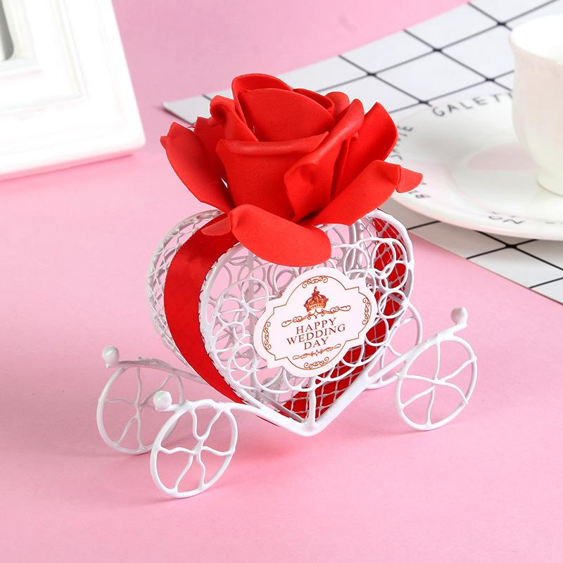 2018 New Wedding Favor Box White Matel Boxes Iron Pumpkin Carriage Shaped with Flowers SPECIAL Candy Boxes Hot Selling Party Favors