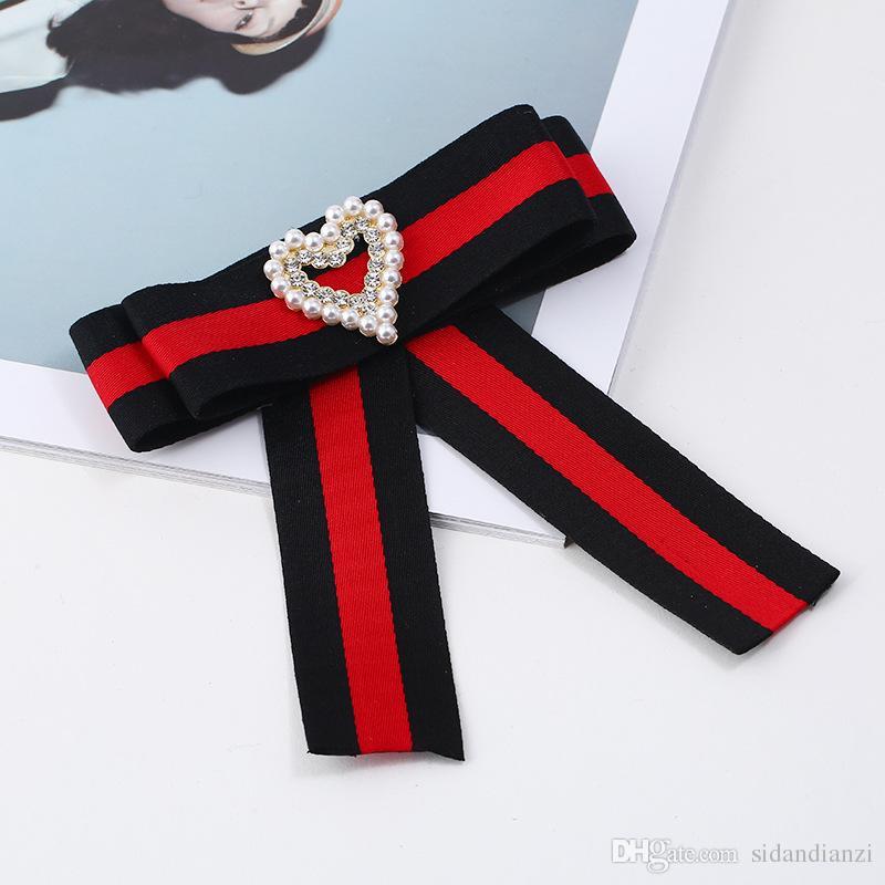 Perle d'imitazione Perle Cuore Spilla Perni Tessuto in tela Fiocco nodo Cravatta Cravatta Spille corpetto Abbigliamento donna Accessori camicie