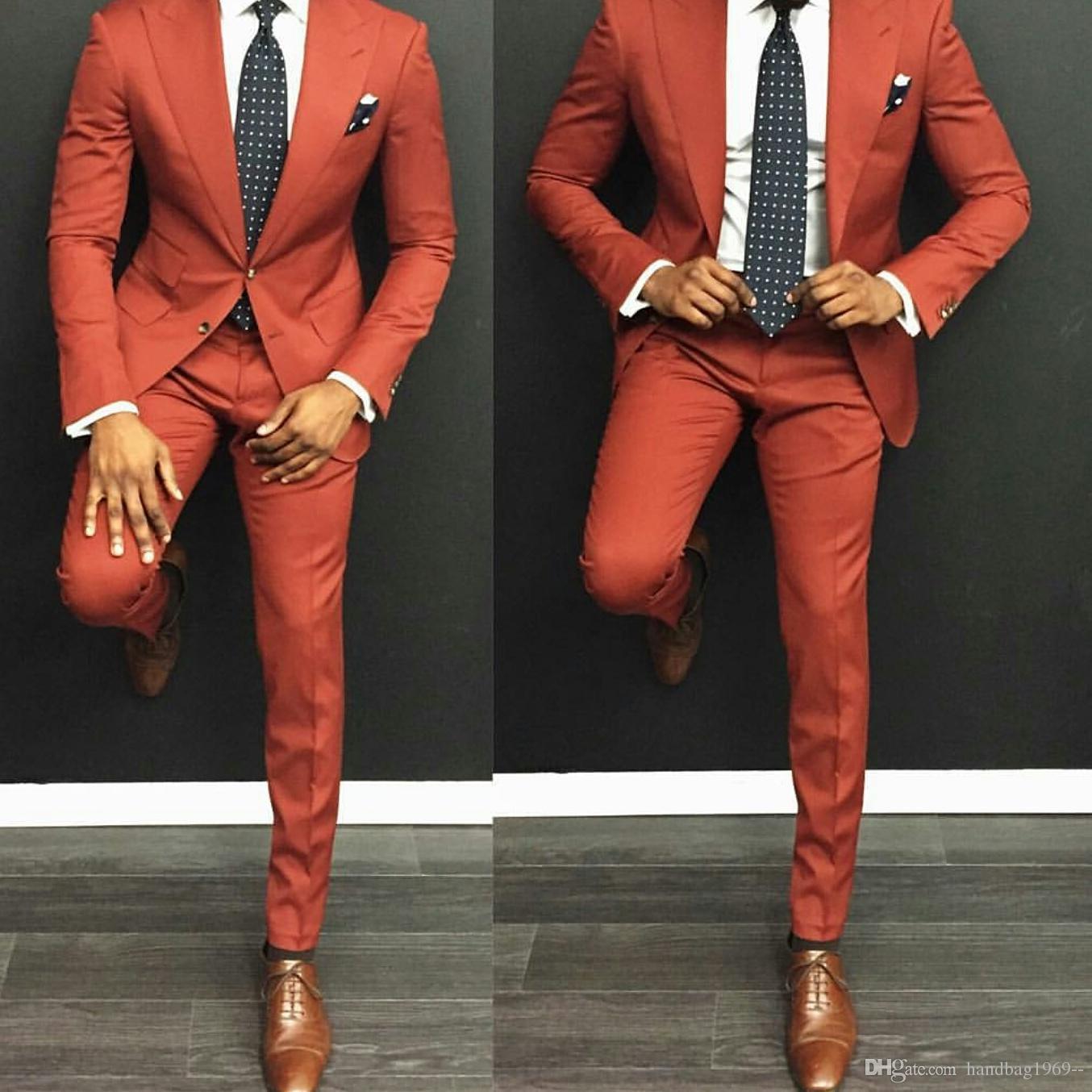 Nova Moda Dois Botões Do Noivo Smoking Padrinhos Pico Lapela Melhor Homem Blazer Ternos De Casamento Dos Homens Jacket + Pants + Tie H: 900