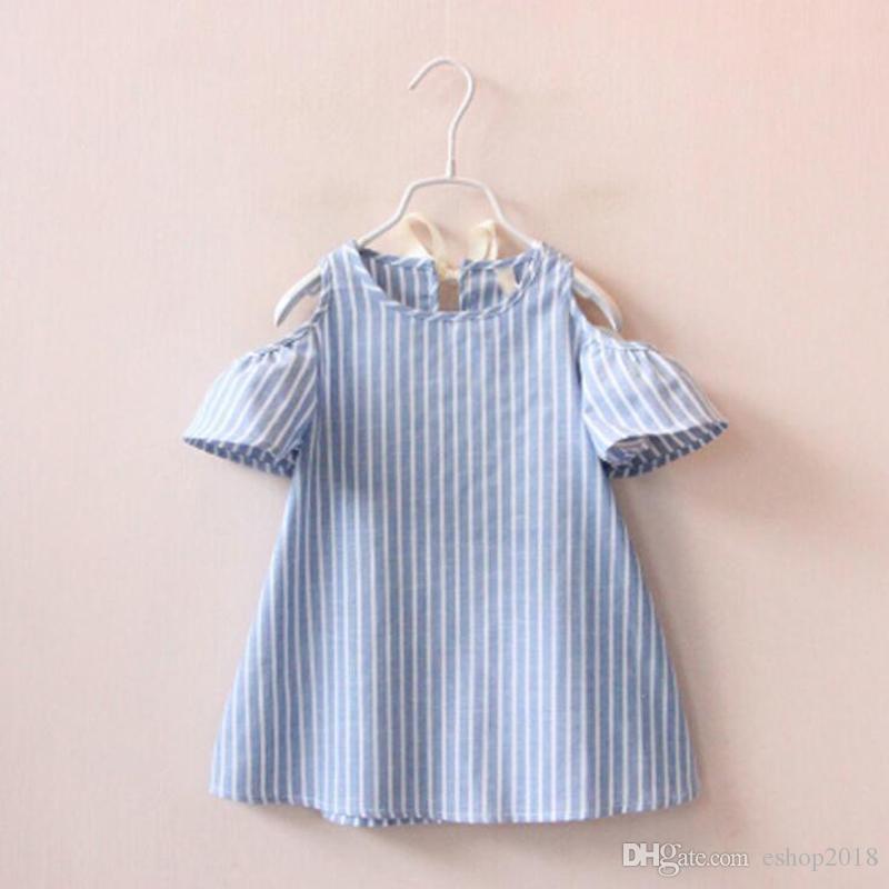 달콤한 어린 소녀 줄무늬 여름 드레스 퍼프 슬리브와 귀여운 캐주얼 드레스 블루 컬러 패션 드레스를 활