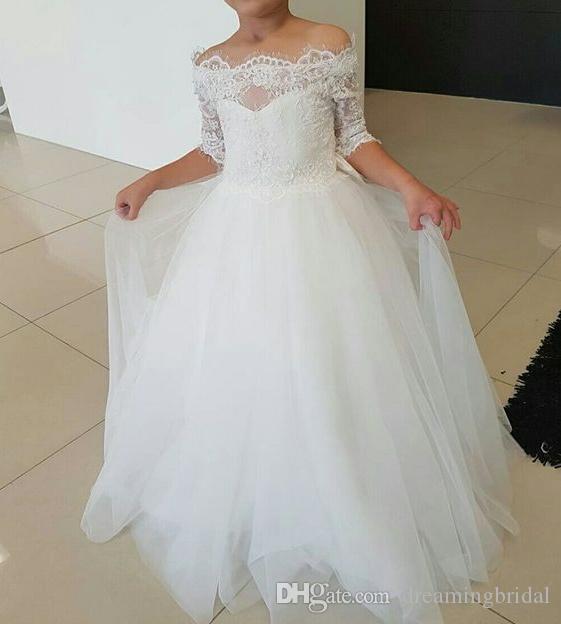Weiße Blumenmädchenkleider 2018 Neue bodenlange Schulterfrei 1/2 Ärmel Spitze Applique Erstkommunion Kleid Festzug Kleid nach Maß