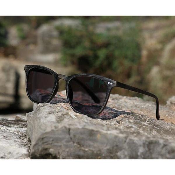 Compre Óculos De Leitura Photochromic Vintage Retro Mudança De Cor Óculos  Óculos De Sol Eyewear Grão De Madeira Cinza Leitor De Olho Quadro + 1.0 ~ +  6.0 ... 12b75c8653