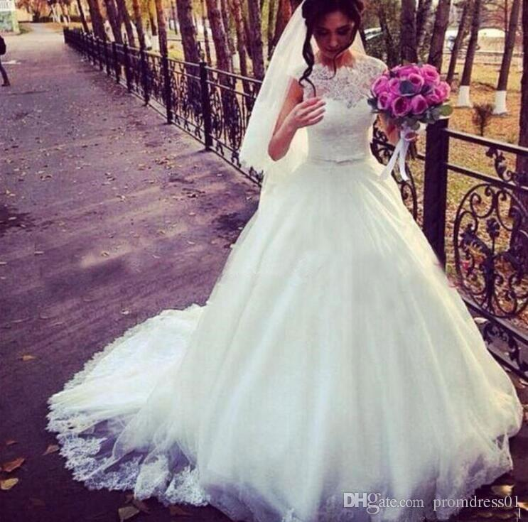 High Quality Chapel Train white Wedding Dresses with Appliques Sash Bridal Dress with Lace Applique In Stock
