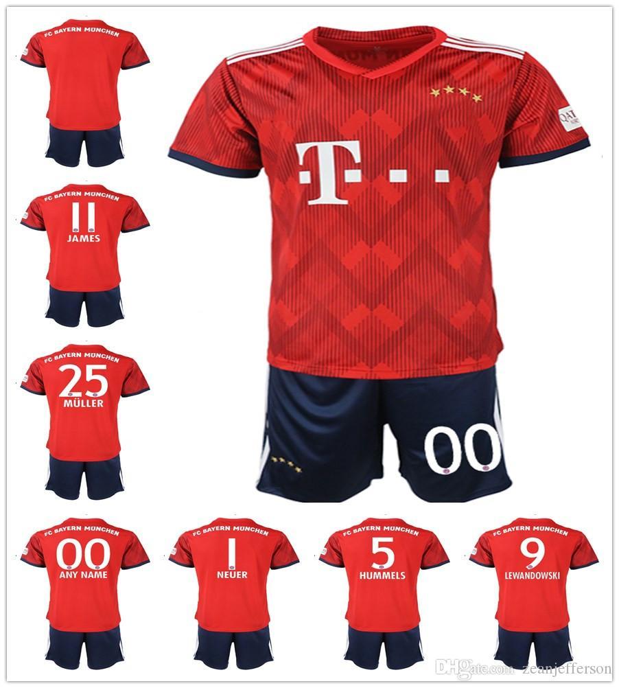 Compre 2018 2019 Bayern Munich Soccer Jersey Establece 25 MULLER 11 JAMES  23 VIDAL 27 ALABA Red Home Football Jersey Uniformes De Fútbol A  18.87 Del  ... 4e7475c05849f