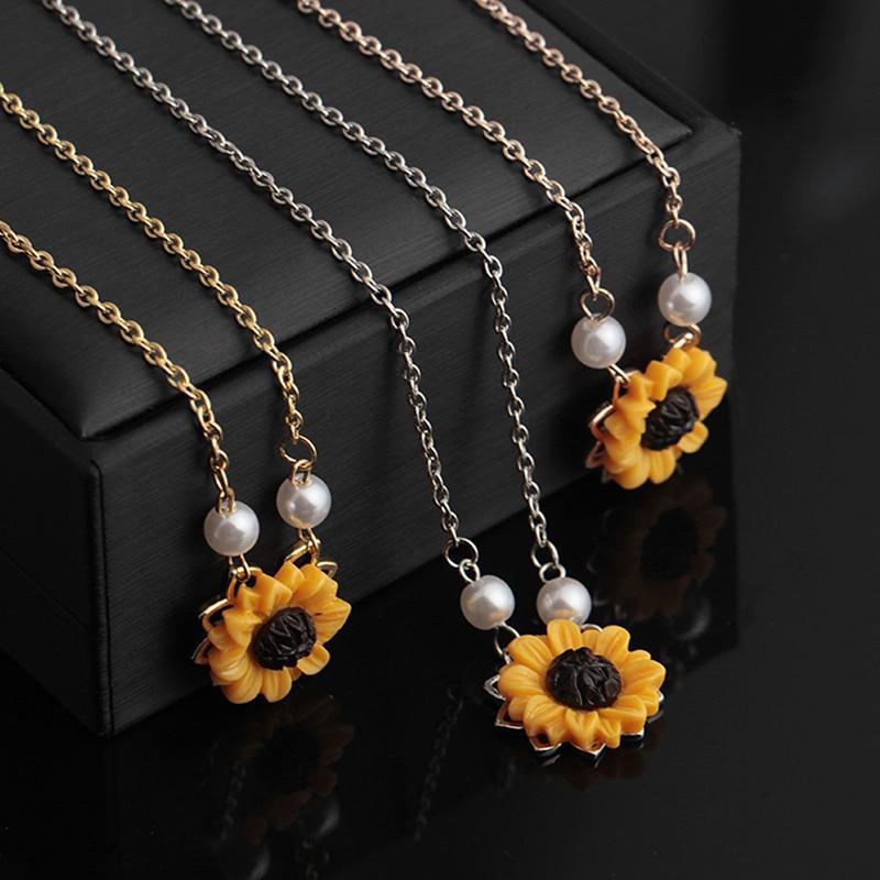 df658b415253 Compre Girasol Collar De Perlas De Imitación Amarillo Girasol Pendan Joyas  Oro Plata Oro Rosa Collar A  33.68 Del Jingchengyan