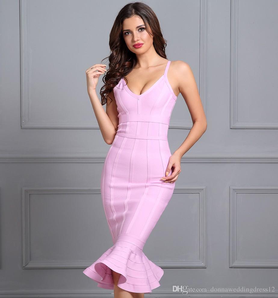 8cd1885de Compre 2018 Venta Caliente Sexy Vestidos De Cóctel 2018 Correa Espagueti  Rosa Vestidos De Sirena Con Cuello En V Hasta La Rodilla Celebrity Vestidos  De ...