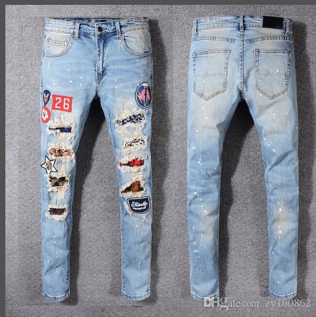 Acquista Jeans Strappati Da Uomo Jeans Da Ricamo Jeans Famosi Designer Di  Marca Pantaloni Da Uomo Denim Hip Hop Distrutti Pantaloni Da Buco Punk A   57.87 ... 984cbc3035c1