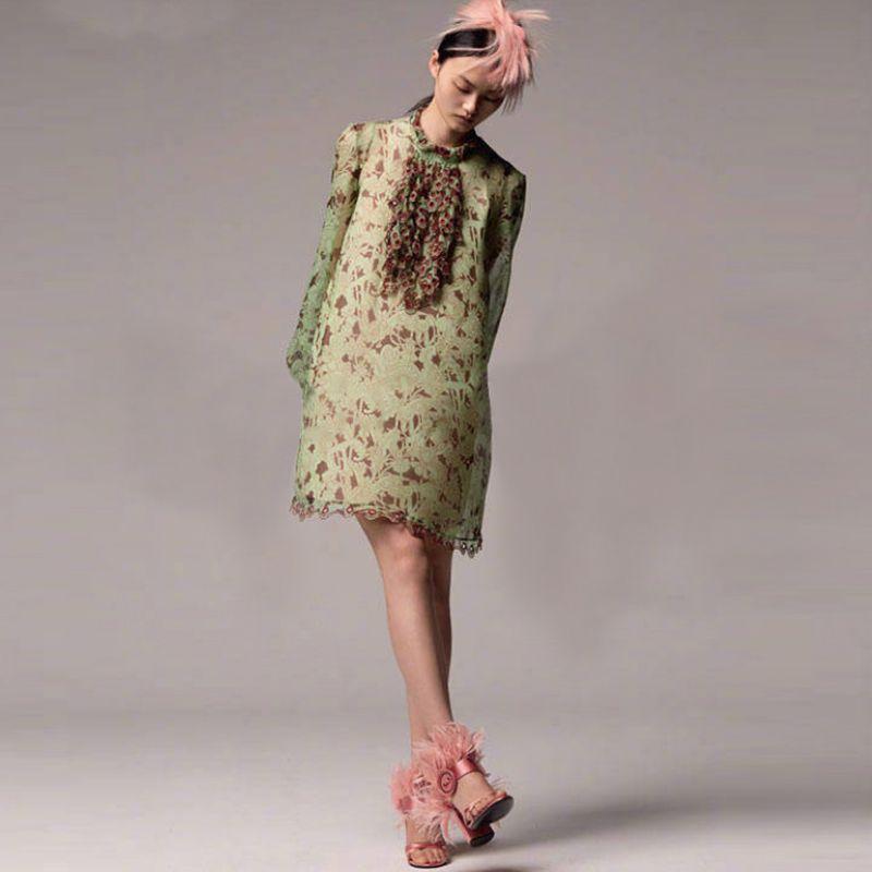 6d9f39ec58e Acheter Chic 2018 Été Mode Femmes Robe Une Pièce Robe De Marque Concepteur  À Manches Longues Broderie Robe De Dentelle Robe De Piste Robes Vert D7039  De ...