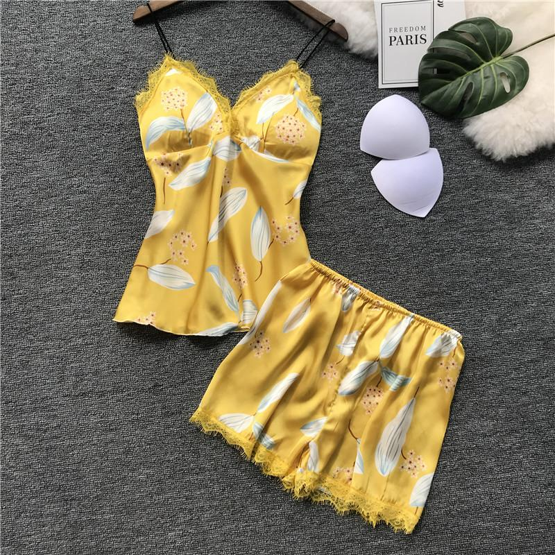Qweek Frauen Pyjamas Sets Sexy Spitze Pijama Sexy Mujer Satin Pyjama Floral Nachtwäsche Sommer 2019 Frauen Pyjama Sets Mit Brust Pads Unterwäsche & Schlafanzug