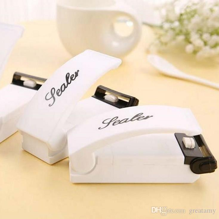 New mini baby sealer portable home handheld sealing machine heat tool plastic bag home use  battery not included