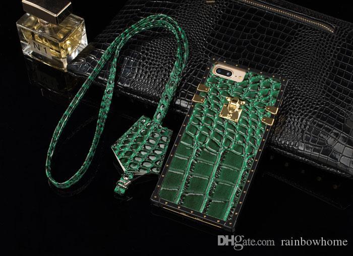 ترف باريس حزب عرض التمساح بو الجلود TPU حالة الهاتف غطاء لفون XR XS MAX X 8 زائد مع الحبل