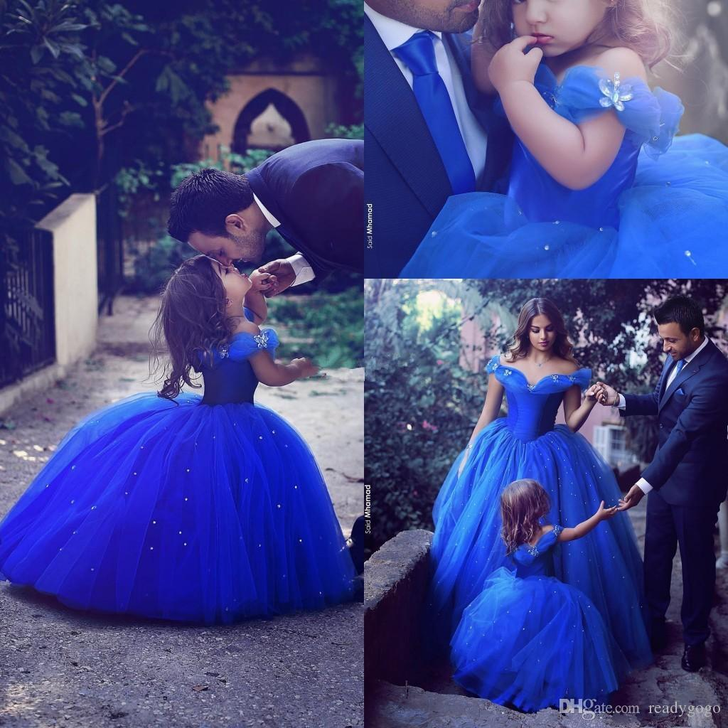 로얄 블루 프린세스 웨딩 플라워가 드레스 푹신한 투투 어깨에서 반짝 반짝 빛나는 결정 2018 유아 어린 소녀 장관 친목 드레스