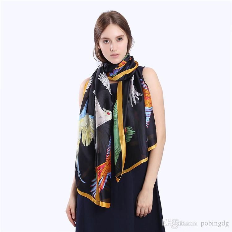 Acheter Nouvelle Mode Hot Vente Bandana De Luxe Marque Scarve Femme Marque  Écharpe En Soie Femmes Châle Haute Qualité Impression Hijab Oiseau En Soie  ... 2f978fb3825